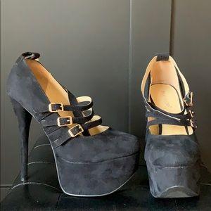 Barely worn size 8 black high heels